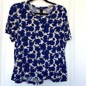 H&M Blue, Black & White Floral Flowy Tee Shirt